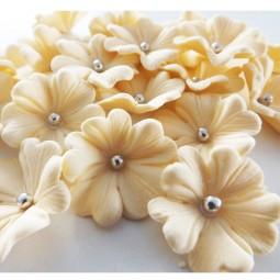 Kreminės gėlytės su sidabriniais viduriukais