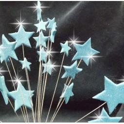 Šviesiai mėlynos blizgančios žvaigždės su vielutėmis