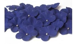 Tamsiai violetinės gėlės su sidabriniais viduriukais