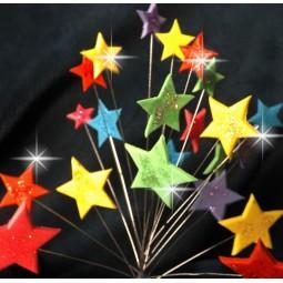 Vaivorykštės spalvų blizgančios žvaigždės su vielutėmis