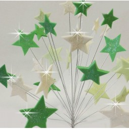 Žalių atspalvių ir baltos spalvos blizgančios žvaigždės su vielutėmis