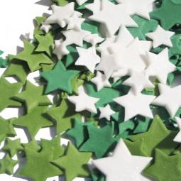 Žalių atspalvių ir blizgančios baltos spalvos skirtingo dydžio žvaigždės