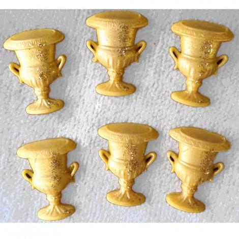 Auksinės spalvos čempionų taurės