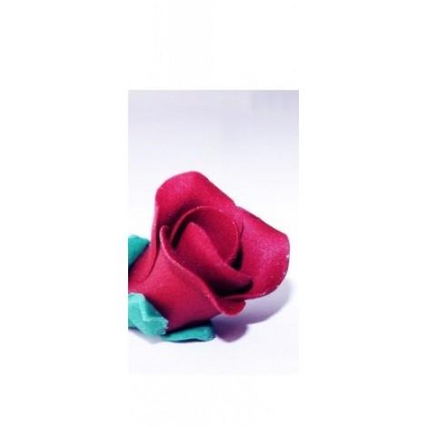 Bordo spalvos maža rožė