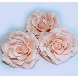 Vintažinė šviesiai rožinė rožė su vielute